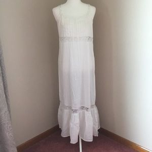 Victoria's Secret white and lace gown